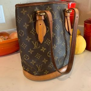 Authentic Louis Vuitton Paris Bucket handbag